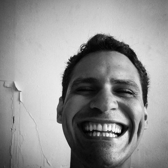Siempre Sonrie porque Dios está a tu lado todo el Tiempo =-) =-) =-) =-) =-) =-) =-) jajajajajajajajajajajaja