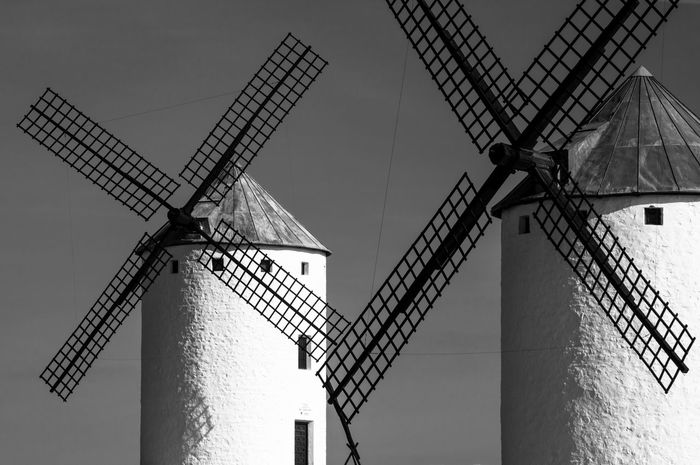 EyeEmNewHere Giants! Giant Giants Cervantes DonQuixote Donquixotedelamancha Donquijote Sanchopanza CastillaLaMancha Camposdecriptana Black & White Molinos De Viento Moulin Wind Windmills