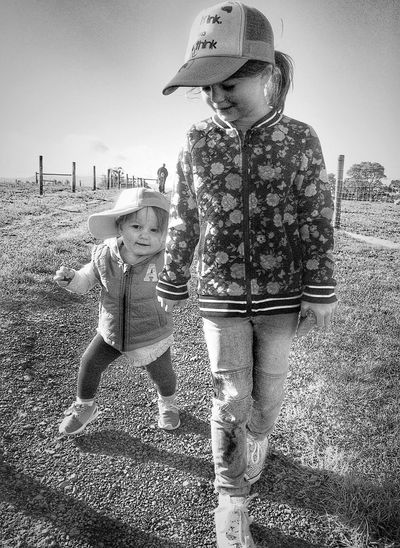 Sisters Sisters ❤ Family Family❤ Portrait Black And White Portrait Portraits Love Hanging Out Enjoying Life