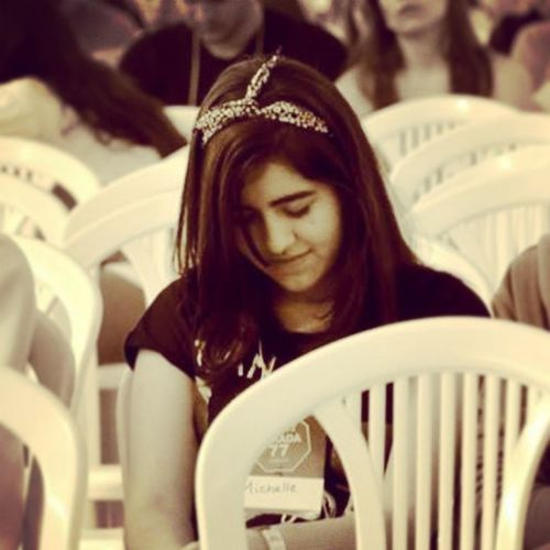 Praying - Foto: Leticia Alane Praying Orando