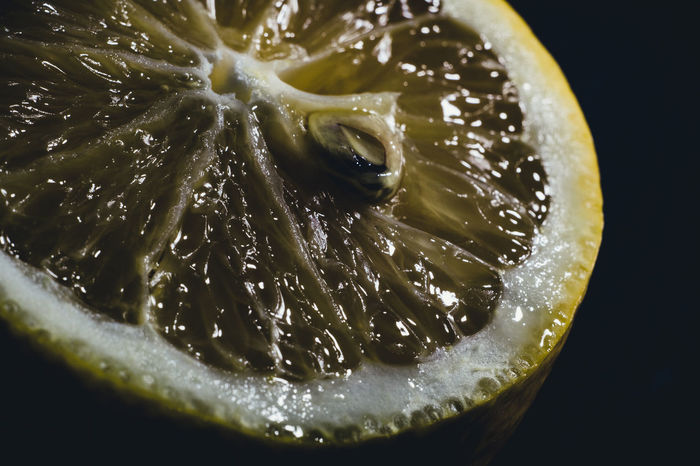 Background Backgrounds Beatiful Blackandwhite Citrus  Citrus Fruit Color Drops Food Freshness Fruit Indoors  Lemon Light Light And Shadow Macro Macro Photography Nature No People SLICE Water Yellow