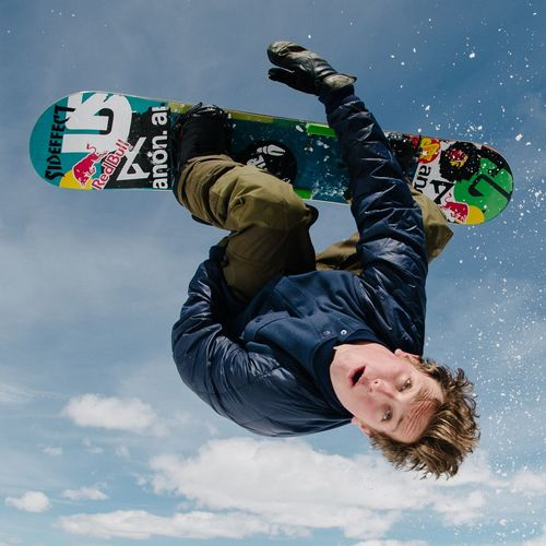 Flippin out over the new Burtonpresents video that dropped today, featuring Ben Ferguson, check it out. Snowboarding Fun Burton  Ben Ferguson Blotto