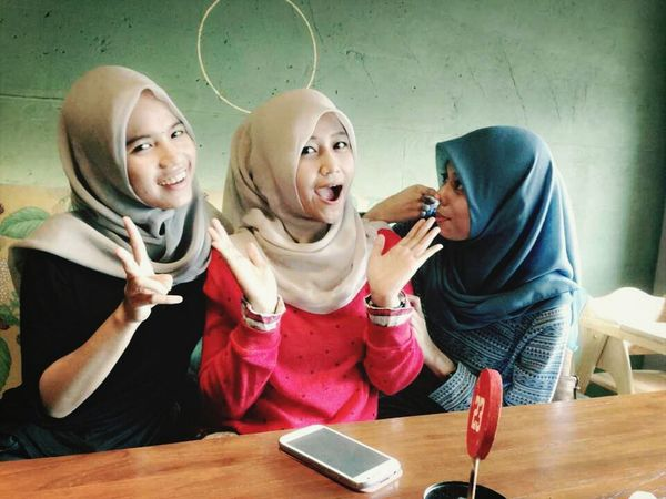 we get the happiness Enjoying Life Hanging Out My Bestfriends Hijab Style
