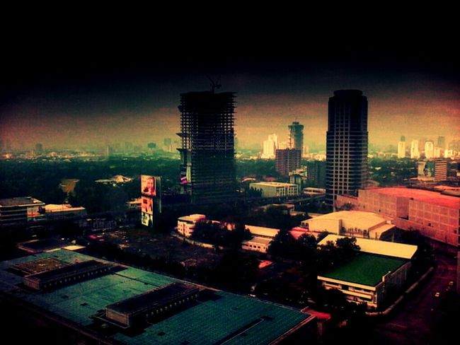 Metropolitan Pain Cityscapes Hotelview Creative Shot Eyeem Philippines Filteredphoto Creativity Being Creative Dramatic Postapocalyptic Metropolitan