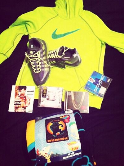 Early bday gifts from Pookie... <3