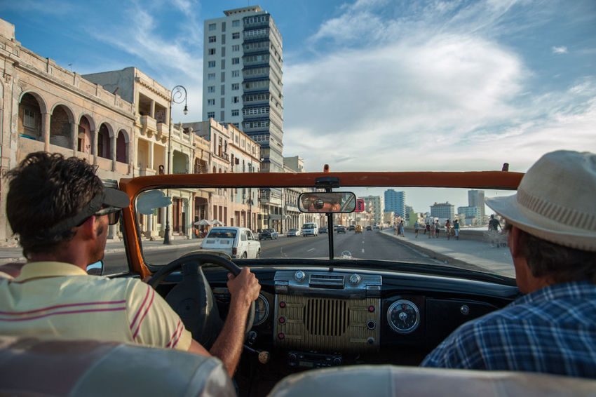 1970s American Cars Beautiful Sky Cuba Cuban Lifestyle Enjoying The View Habana Enjoying Life Historic Car Malecón, La Habana Old Car Old Mobile Salsa Son Still Life Travel Destinations Vintage Cars First Eyeem Photo The Traveler - 2018 EyeEm Awards