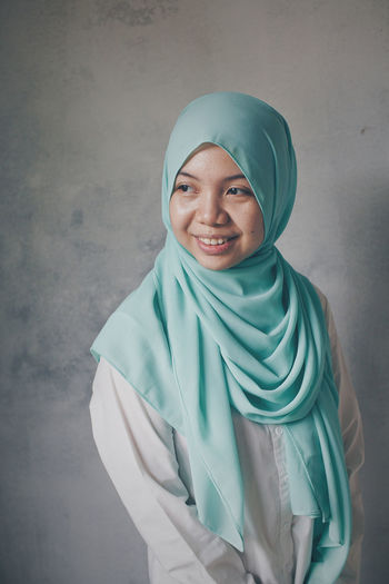 Muslimah Hijab Hijabstyle  Hijabfashion Hijabers Muslimahfashion Muslimah Photography Malaysia Truly Asia Malaysian Adults Only Happiness One Young Woman Only Young Women Young Adult Indoors  Day Healthcare And Medicine Women Mature Adult Human Body Part