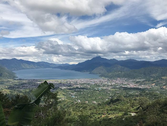 Beautiful Place with the clear blue sky and fresh air. I'm in love for this place. Takengon (22.09.17) By ITag A Place By ITag View By ITag Nature By ITag No Filter By ITag