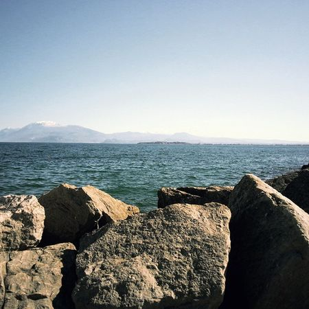 Instasunda Italyiloveyou Italianrivera Lake Gorgeouslight Sirmione