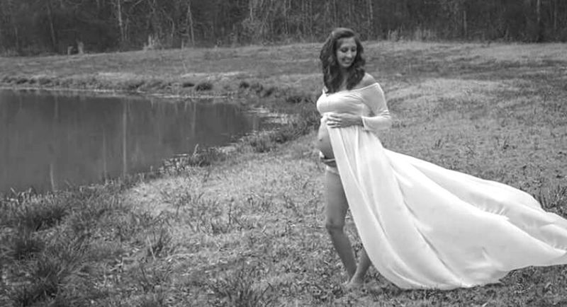 Maternityshoot  Whitedress Maternity Water Nature Maternityshoot  Beauty In Nature Beautiful Standing Confidence  Pregnant Blackandwhite Photography Blackandwhite Black&white Outdoors One Person Adult One Woman Only Anticipation Human Abdomen Confidence  Grass Only Women