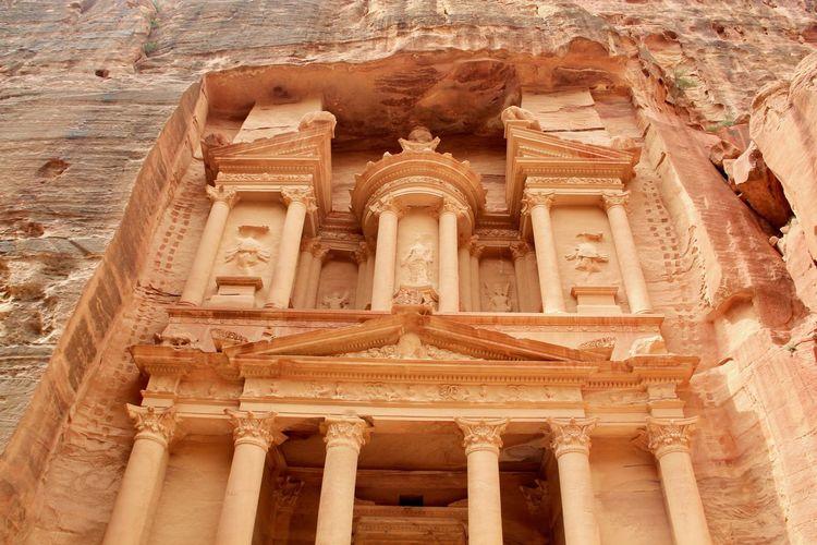 Jordan Petra, Jordan Red City UNESCO World Heritage Site Mountain Carving Stone Carved Temple Stone Carving Home Old Civilization Ancient Civilization Detail Travel Destinations