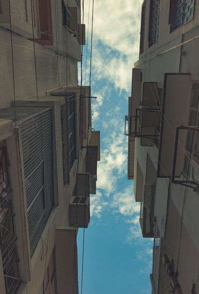 UrbanStyle. Sky Building Exterior Outdoors Low Angle View Streetphotography Streetphoto_color Streetsofdelhi Streetstyle Travelphotography The Week On EyeEm