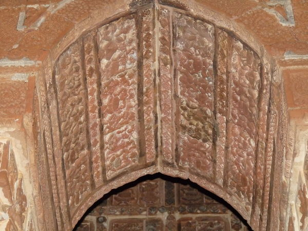 Beautiful Terracotta plates Arch Architecture Architecture And Art Belief Brick Building Built Structure Carving Ceiling Craft History Old Place Of Worship Religion The Past Wall