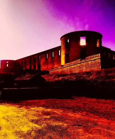 If you See a Old Castle under Fog , you must Go there to meet the Extraordinary  Dreams ❤️ Ruins Of A Castle Spirit Old Place Hunted Sweden Borgholm Borgholms Slottsruin Likeforlike Secret World Love
