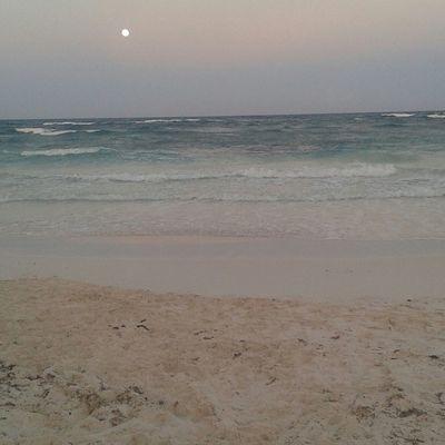 Hello World Beach Amazing View Naturelovers Colors Sunset Tulum , Rivera Maya.