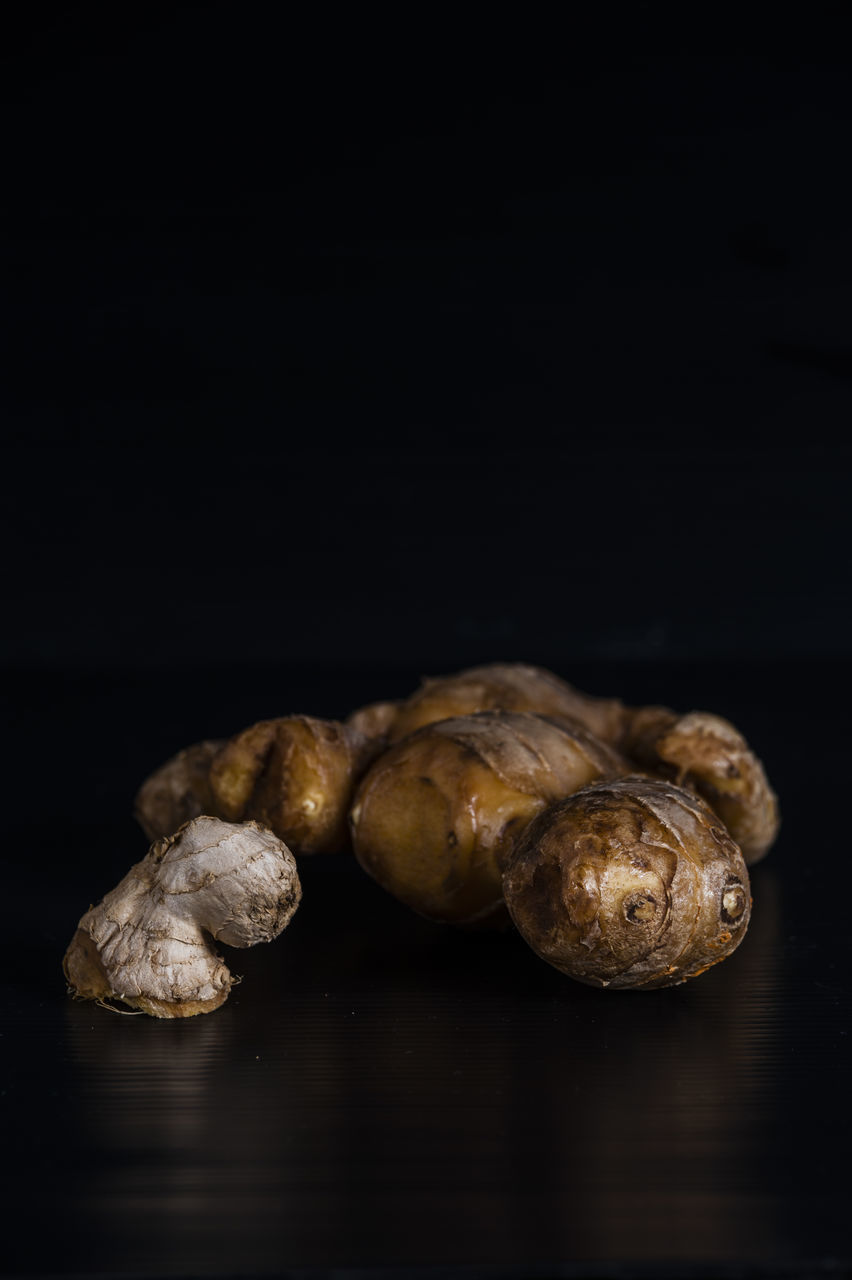 black background, studio shot, food and drink, no people, close-up, food, healthy eating, indoors, freshness