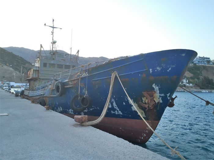 Totenschiff Altes Schiff Am Kai Beach Boat Clear Sky Day Harbor Mode Of Transport Moored Nature Nautical Vessel No People Outdoors Rusted Ship Sea Sky Transportation Verrostetes Schiff Water