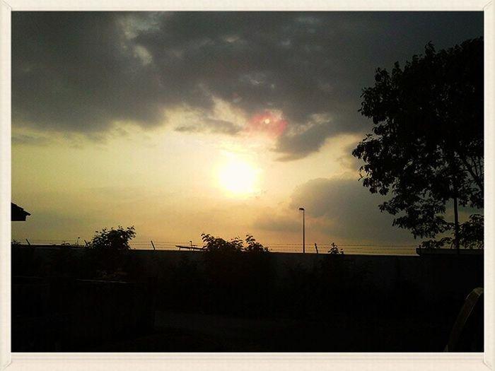 Scenery Shots Myshot Clouds And Sky Evening Sun