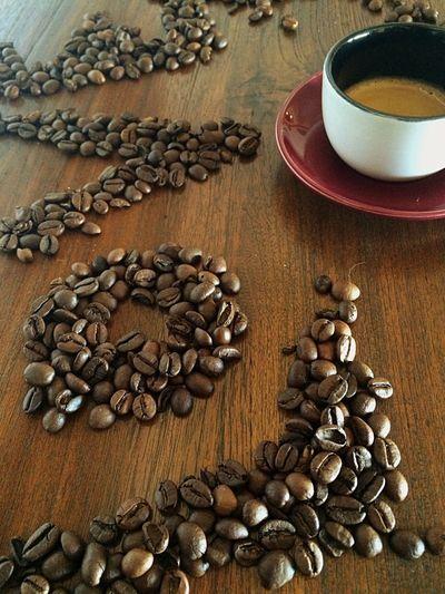 Un café con amor.. Please!❤️ Coffee Coffemy The EyeEm Breakfast Club My Breakfast Coffee ☕ CoffeTime Coffe❤️ Coffeelove