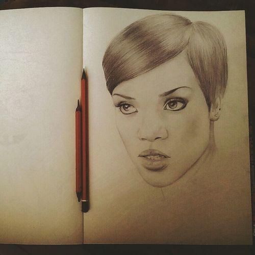 Rianna Drawing Portrait Art рисунок портрет