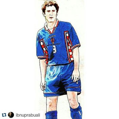 Repost @ibnuprabuali with @repostapp ・・・ Instasize Art Illustration Drawing Draw Picture Photography Artist Sketch Sketchbook Paper Pen Pencil Artsy Instaart Gallery Masterpiece Creative Instaartist Graphic Graphics Artoftheday Croatia Suker sukerman davorsuker striker football soccer