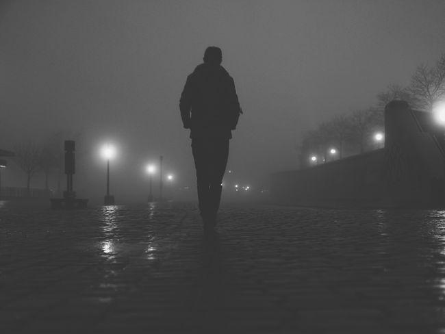 Good Morning Foggy Foggy Morning Silhouette Streetphotography Hamburg VSCO Blackandwhite Photography