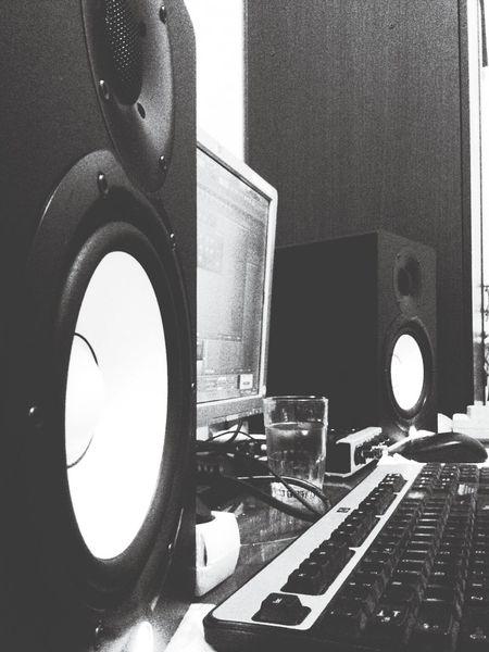 Makingbeats Frutyloops ılovemusıc :) Hiphopmusic Oldschool Tupac NWA PublicEnemy Beatmaker