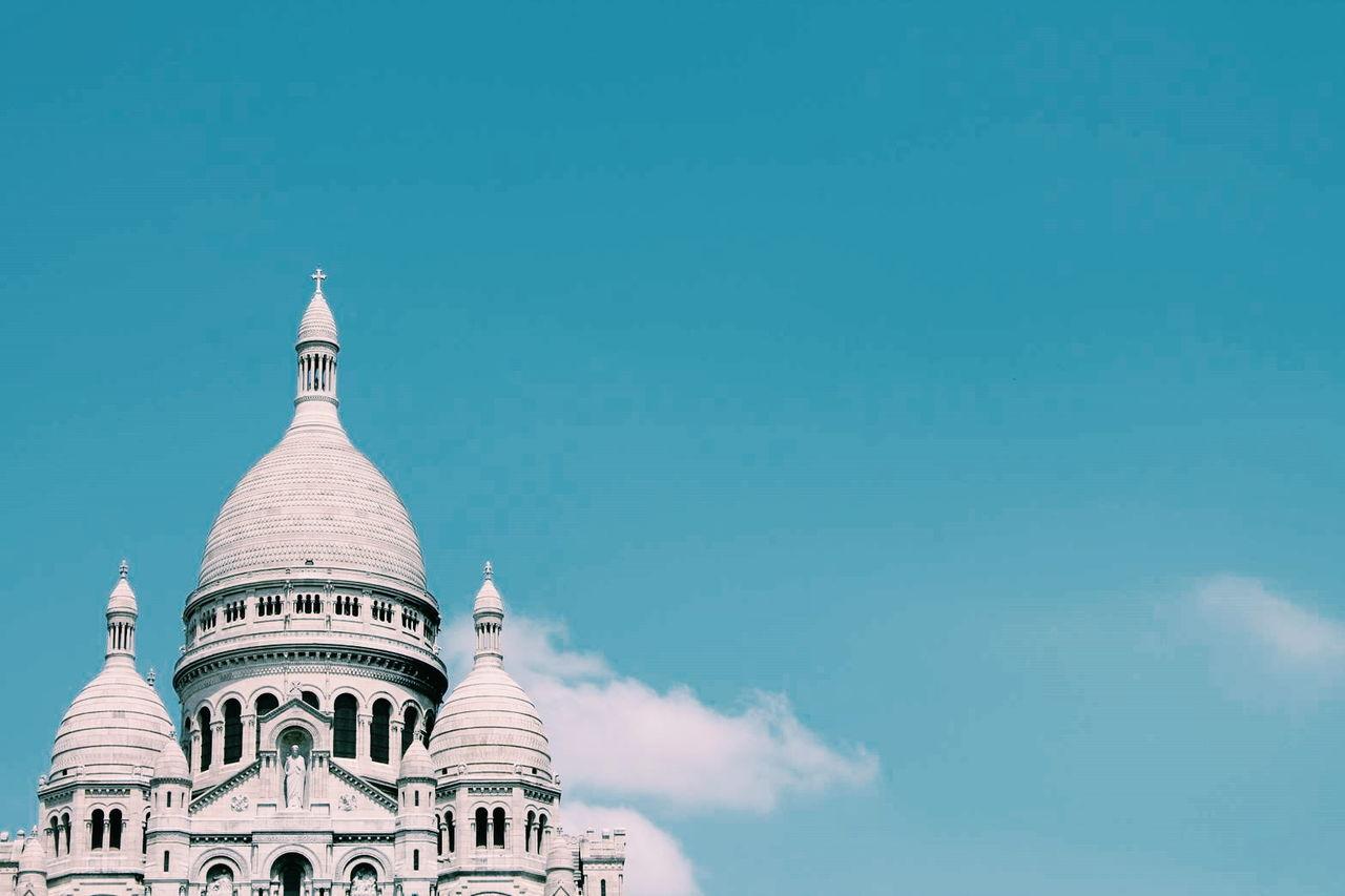 Basilique du sacre coeur against blue sky
