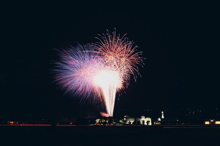 sparks fly Fireworks Fourth Of July Long Exposure Highway Night Pretty Celebration EyeEm Best Shots EyeEmBestPics EyeEm Masterclass