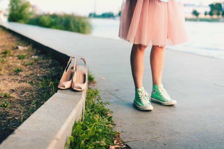 Soft Light туфли кеды юбка ПАЧКА тротуар ноги красивые