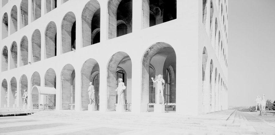 EUR Roma Statue Architectural Photography Architettura Bn Colonne Column Columns History No People Razionalismo
