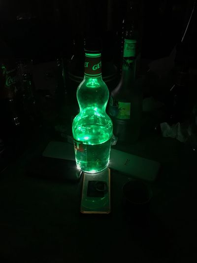 🍻 Bottle Green Color Night Illuminated Alcohol Drink Friends Soirée Frenchriviera Nice Shot Get27 Birthday