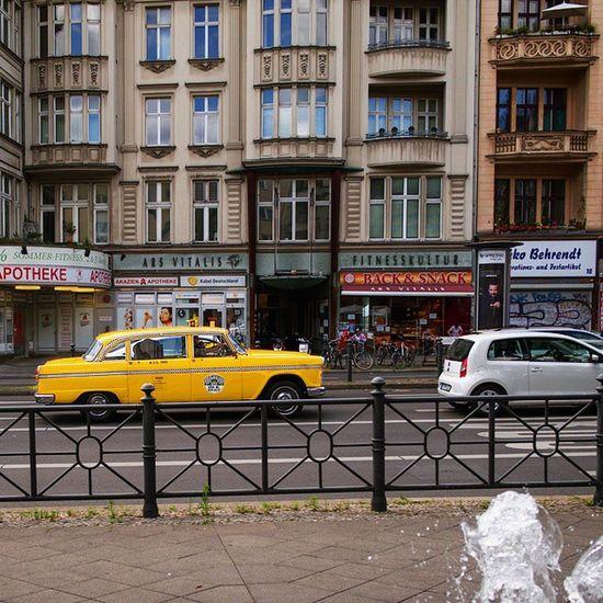 Heute in Berlinschöneberg Schoeneberg Schöneberg Hauptstrasse Kaiserwilhelmplatz Thisisnotnewyork Streetsofberlin