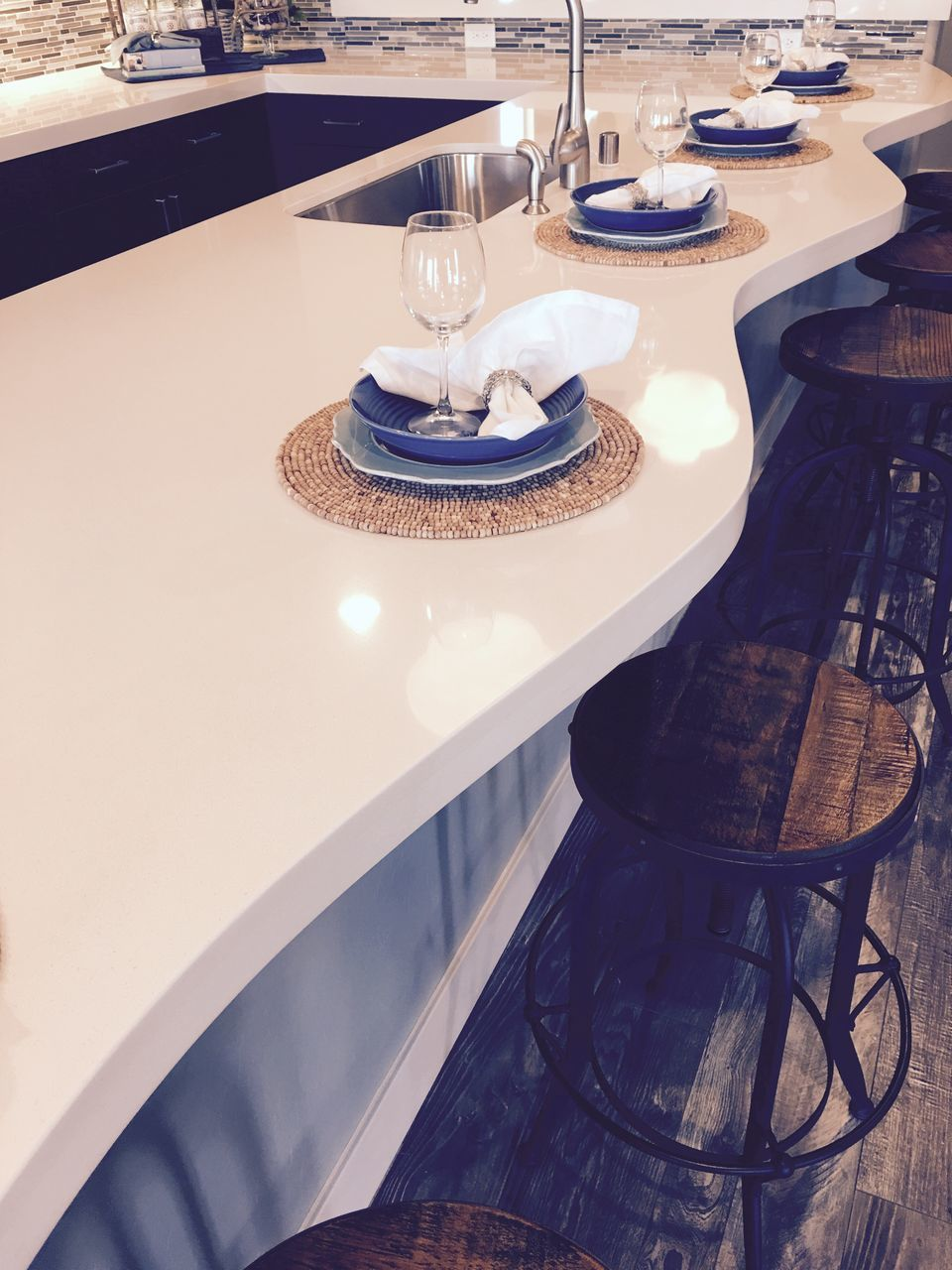table, plate, place setting, restaurant, chair, dining table, food and drink, indoors, no people, tablecloth, cafe, wineglass, drinking glass, fork, napkin, food and drink industry, food, drink, day