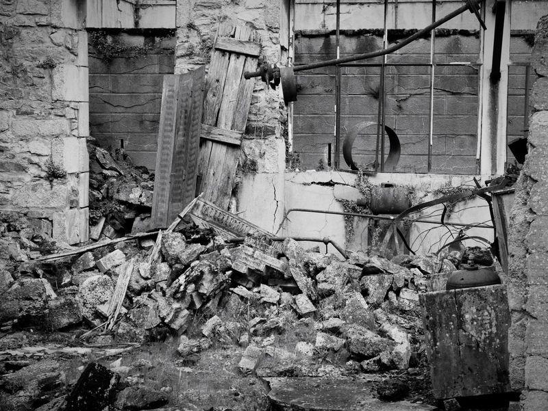 Destroyed Ruined Building Oradour Sur Glane Ruined Destroyed Bomb Damage Urban Memorial