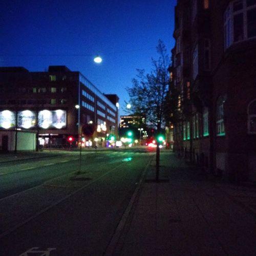 Llegando a casa. Aalborg de noche