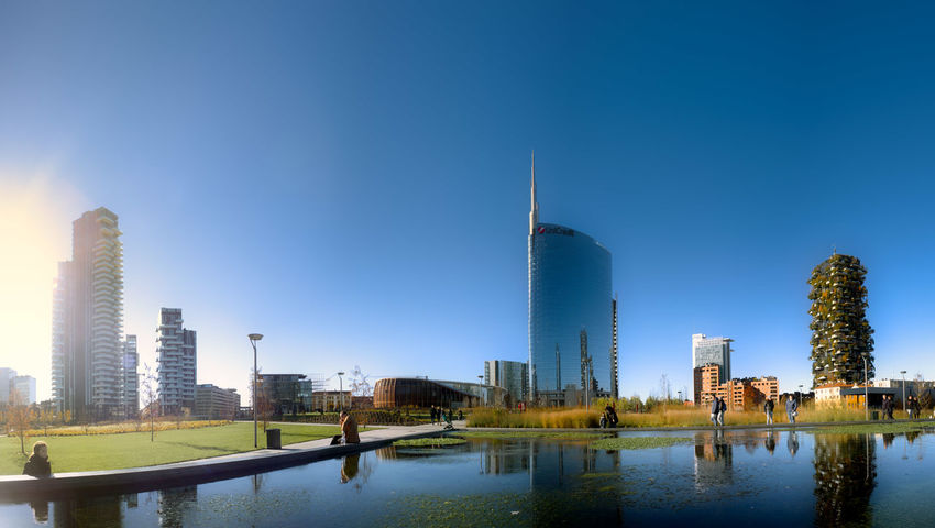 SkyLine Skyscraper Skylines Milan Milano Blue Sky Water Aulenti Green Garden