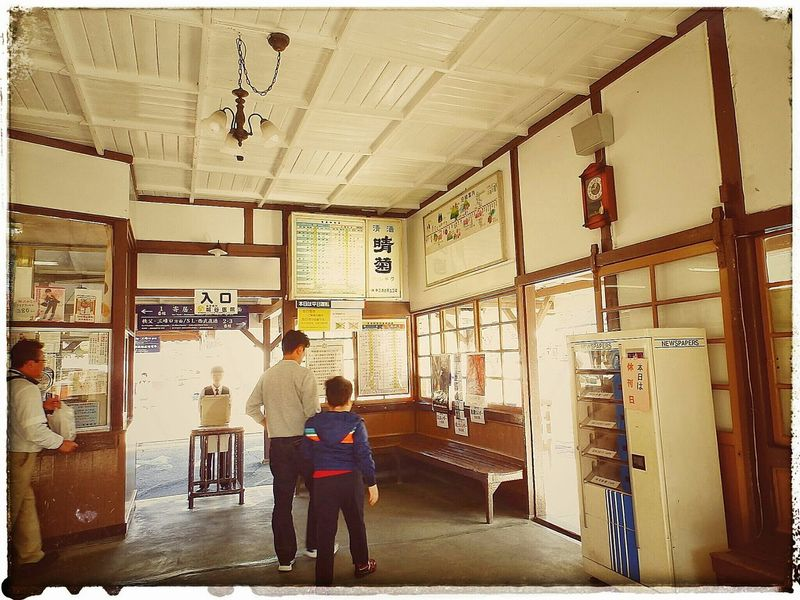 Time has stopped here.。From ca.1911 to WWII and no renovation nor any change in this station. 戦後から、現在もこの駅だけが変わっていない。時が止まったまま...。「 ストックから / from my stock files (^^;; 」 | Location: 長瀞駅・埼玉県秩父郡長瀞 ( Nagatoro Station ・ Oaza, Nagatoro, Chichibu-gun, Saitama-prefecture | 長瀞 長瀞駅 レトロ レトロなノイズシリーズ レトロな建物 Nagatoro Nagatoro,saitama,japan Local Life Localscene Retro Retrorevival Retro Station Train Station Century Old Timeless Take Me Back Vintage At Its Best  From The Old Days! Lol From My Point Of View EyeEm Best Shots From My Perspective EyeEmNewHere EyeEm Gallery Olympusinspired Olympus Photography