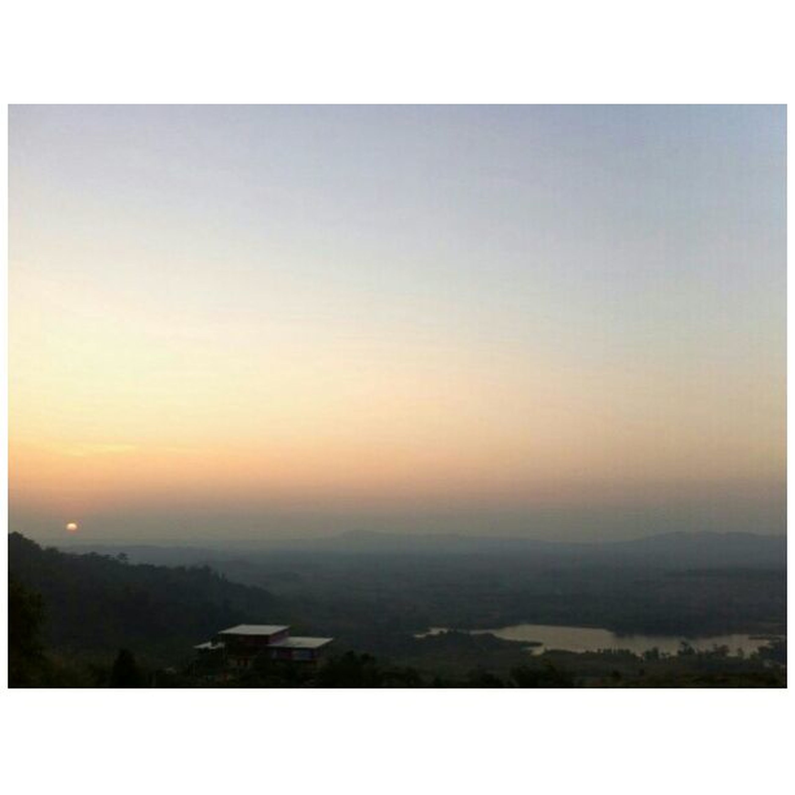transfer print, auto post production filter, sunset, scenics, copy space, landscape, tranquil scene, beauty in nature, tranquility, nature, clear sky, sky, horizon over land, high angle view, outdoors, idyllic, no people, orange color, aerial view, dusk
