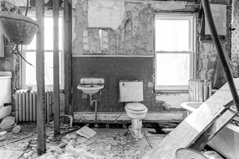Fixer Upper Blackandwhite Abandoned Damaged Obsolete Indoors  Old Run-down Decline No People Deterioration Bad Condition Weathered Built Structure Architecture Bathroom Broken