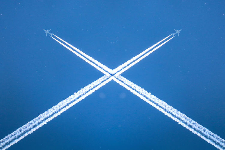 Blue Vapor Trail No People Cross Shape White Color Pattern Transportation Motion Cloud - Sky Sky Low Angle View Indoors  Backgrounds Full Frame Mode Of Transportation Air Vehicle Speed Sport Silver Colored Plane Boeing Cross Crossing Flying Abstract