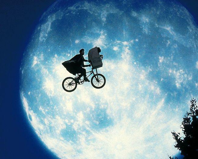 REPLAY THE DREAM Supermoon E.T E.T. Phone Home Cwspace Cwgallery CW