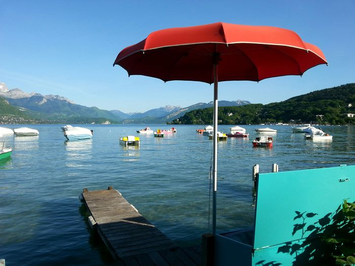 Wonderful Sunday... The Purist (no Edit, No Filter) Enjoying The View Blue Sky Lake View Red And Blue Lake And Mountain In A Quiet Moment Spring2015 Watching Boats Sunshade