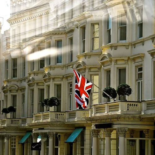 A bad day in London is better than a good day anywhere else London Flag Cromwell  Road Sun Pride Oversea British Sobritish Solondon Uk Instagram Instagood Londoning
