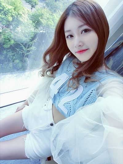 Hanging Out Lovely Love It Selfportrait Today's Hot Look Nice Weather Beauty Sweet That's Me Hi!