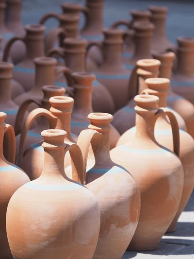 Poterie EyeEm Selects Pottery Earthenware Ceramics Art And Craft Craft Clay Large Group Of Objects Brown Day Terracotta Pitcher - Jug Vase Close-up Arts Culture And Entertainment Skill  Indoors  In A Row