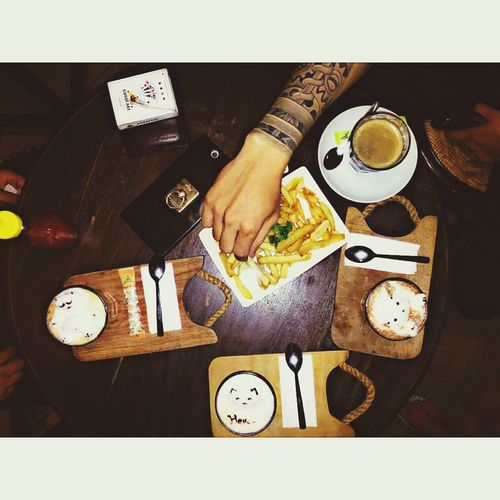 Coffee Coffee Shop Coffee Time Coffee Mug Coffeeaddict Coffeelovers Coffee Art Coffee Shop Scene Coffee And Cigarettes Quality Time Friends Tattoo Tattoos Picoftheday Photooftheday One Man Only Adults Only One Person Only Men Indoors  Wristwatch Human Body Part Adult Human Hand People