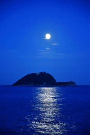 super moon on Isola Gallinara Sea At Night Romantic Tranquility Serenity Travel Destinations Tourist Attraction  Super Moon 2018 Wonderful Nature Natural Phenomenon Blue Blue Sky And Sea Sea Reflections Moon Reflection On The Sea Moon Sea Full Moon Night Moonlight Scenics Astronomy Water No People Space Nature Sky Outdoors Beauty In Nature Horizon Over Water