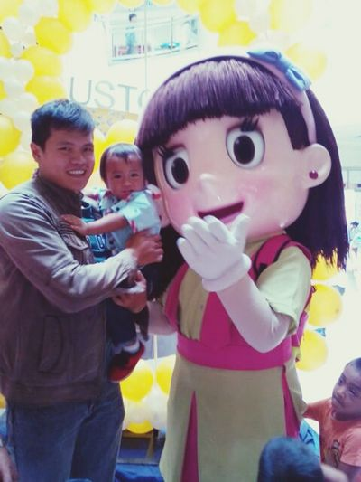Dada and son taking picture with hetty yesterday at southway mall. Happysundaymorning