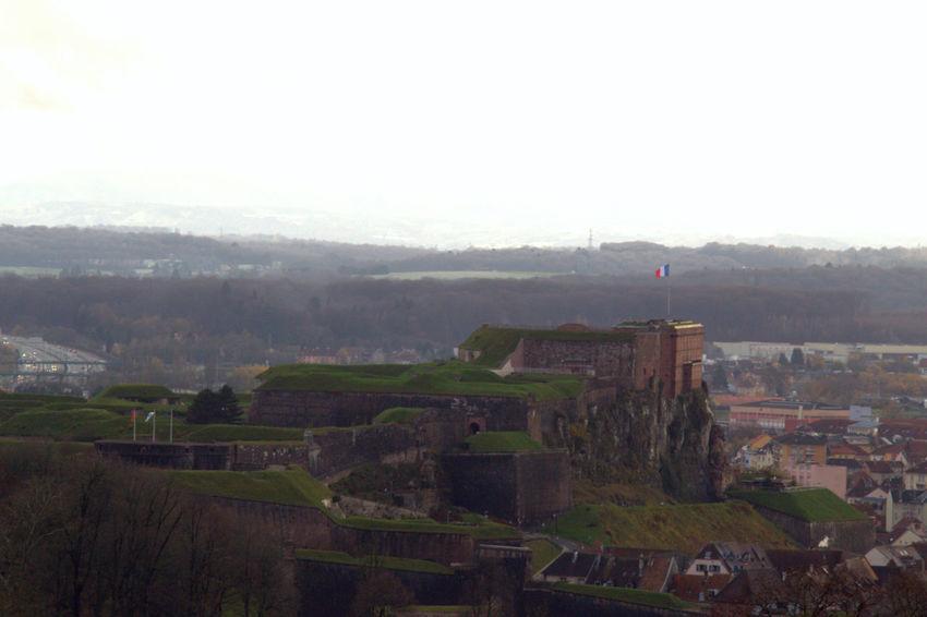 Château de Belfort http://www.varrinphotographie.com/ Belfort Château Citadelle Fort Fortification France Paysage Urbain Site Historique Sublime Paysage Territoire De Belfort Vauban